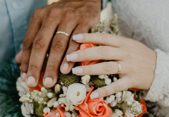 How Flowers Affect Your Whole Wedding Aesthetic
